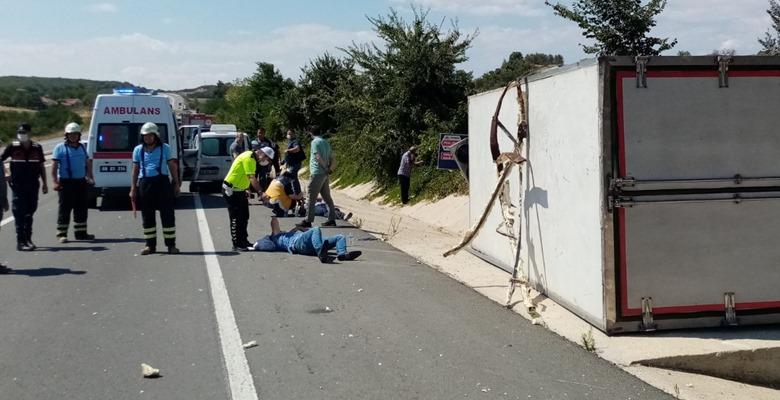 Malkara'da Kaza! Tuğla Yüklü Kamyona Çarptı…