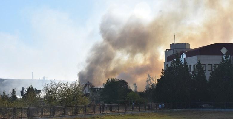 Boya fabrikasındaki yangın korkuttu!
