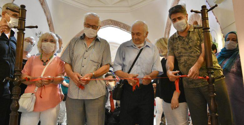 Bursa'da geleneksel el sanatları sergisi açıldı