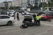 İttikleri otomobile başka bir otomobil çarptı: 3 yaralı