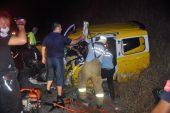 Erdek'te yolcu otobüsüyle çarpışan taksinin sürücüsü yaralandı