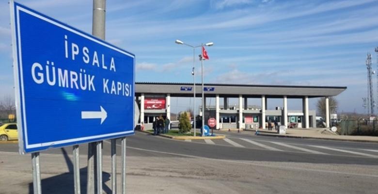 İpsala'da tırların dorsesinde 12 sığınmacı yakalandı