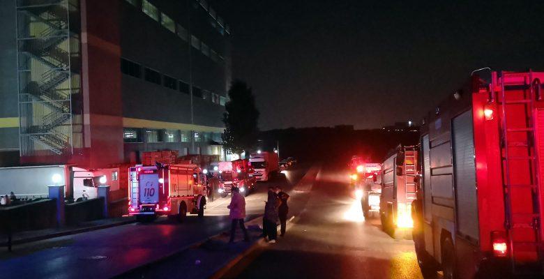Kocaeli'de kozmetik fabrikasında çıkan yangın söndürüldü