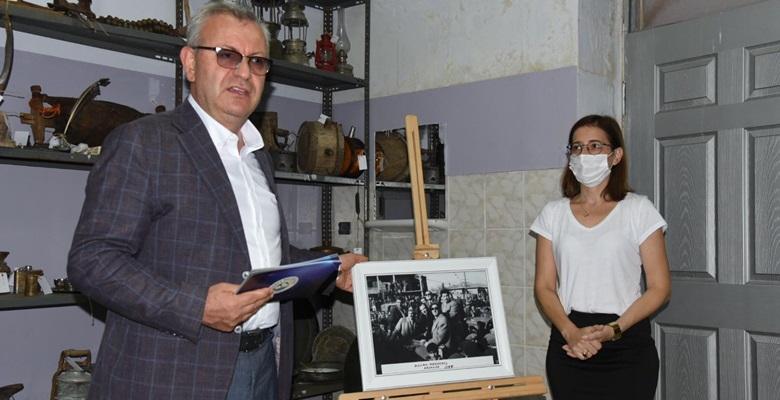 Adnan Menderes'in kenti ziyaretinde çekilen fotoğrafı Keşan Kent Müzesi'nde sergileniyor