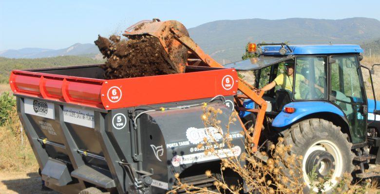 Osmaneli'de gübre dağıtma römorku çiftçilere tanıtıldı