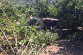 Sakarya'da devrilen traktörün altında kalan sürücü öldü