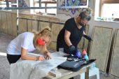 Caminin tezyinatı kadın uzmanların eliyle yenileniyor
