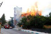 Tekirdağ'da çıkan yangın sonucu ahşap metruk bina kullanılamaz hale geldi