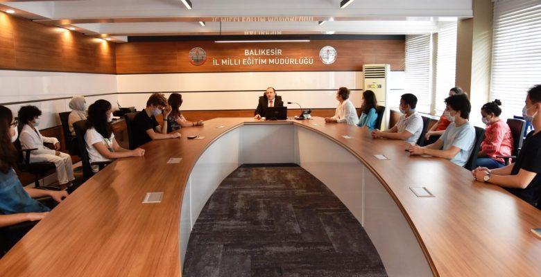 TEKNOFEST finalistlerinden İl Milli Eğitim Müdürü Yıldız'a ziyaret