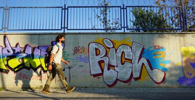 Almanya'dan yürüyerek İstanbul hedefiyle yola çıkan gezgin Kırklareli'ne ulaştı
