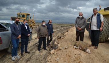 Mahallenin arazi yolunun yapımına başlandı