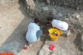 """Kazıda rastlanan iskeletin """"Batı Anadolu'nun en eski ergen insanı""""na ait olduğu tespit edildi"""