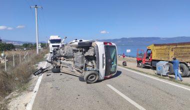 Evde sağlık hizmetleri aracıyla çarpışan otomobilin sürücüsü öldü