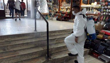 Edirne'de tarihi çarşılar Kovid-19'a karşı dezenfekte ediliyor