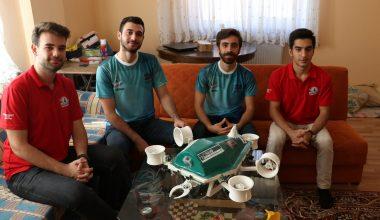 """Kaplumbağadan ilham alan üniversiteli 7 genç """"su altı drone"""" prototipi üretti"""
