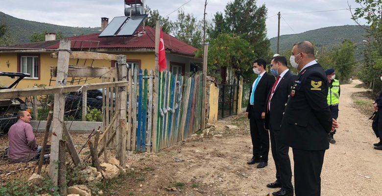 Kaymakam Şahin, karantina altındaki köyde incelemelerde bulundu