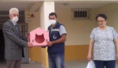 Keşan'daki okullara kedi evi…