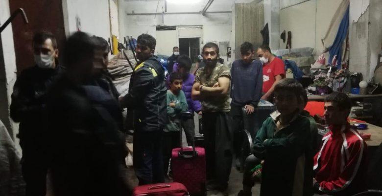 46 düzensiz göçmen saklandıkları atölyede yakalandı