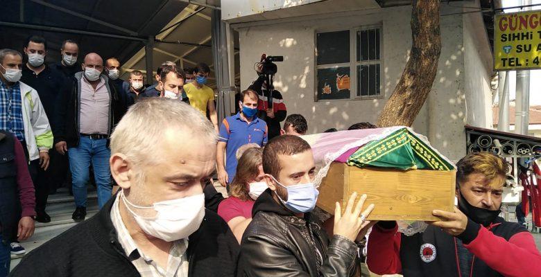 Kocaeli'de soluk borusuna ekmek parçası kaçması sonucu ölen çocuk toprağa verildi