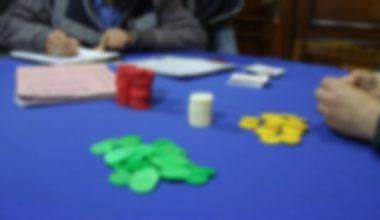 Kumar oynayan 2'si muhtar 10 kişiye ceza!
