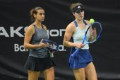 Melis Sezer, Aksigorta sponsorluğunda düzenlenen TED Cumhuriyet Kızları Tenis Turnuvası'nda finalde