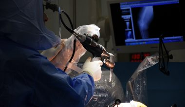 Robotik cerrahiyle diz ve kalça ameliyatlarında hata riski sıfıra iniyor
