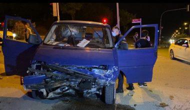 Minibüs ile otomobil çarpıştı… 9 yaralı!