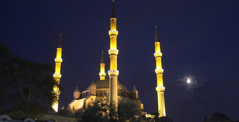 Selimiye Camisi'nde Mevlit Kandili