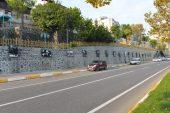 Bahçe yapılırken kaldırılan Atatürk fotoğrafları yerlerine asıldı
