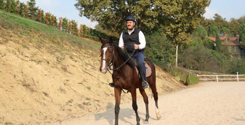Vali Kaldırım, Sakarya Atlı Spor Köyü'nü ziyaret etti
