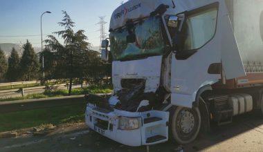Otoyoldaki kaza ulaşımı aksattı