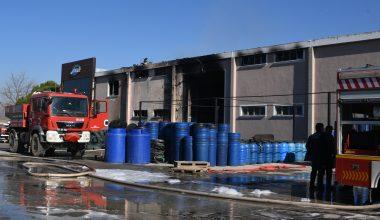 Balıkesir'de turşu fabrikasında çıkan yangın kontrol altında