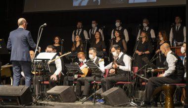 Türk Halk müziği öğretmen ve öğrencileri aynı sahnede buluştu