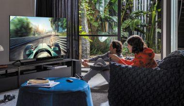 Büyük ekranda oyun oynamak isteyenler için Q70T QLED 4K UHD Smart TV