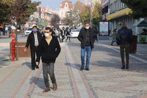Bakan Koca'nın uyarısı üzerine Edirneliler tedbirlere daha sıkı uymaya başladı