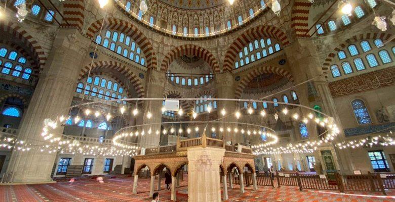 Selimiye, Ramazanı sessiz geçiriyor