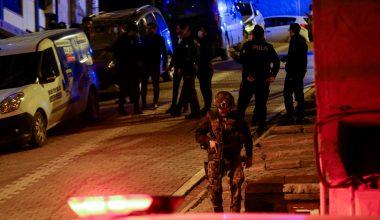Uyuşturucu operasyonunda polislere ateş açan 2 şüpheli yakalandı