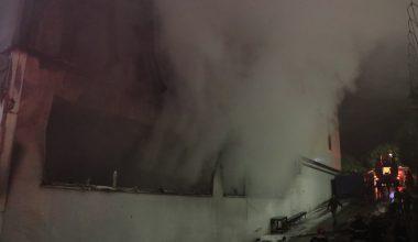 Silah fabrikasında çıkan yangın söndürüldü