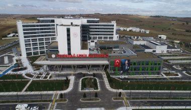 Tekirdağ Şehir Hastanesine eski bakan Cumalıoğlu'nun isminin verilmesi yeğenlerini sevindirdi