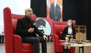 Trakya Üniversitesi Öğretim Üyesi Prof. Dr. Uzunoğlu öğrencilerle buluştu