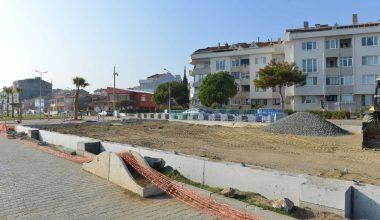 Sahilde yenileme ve çevre düzenleme çalışmaları devam ediyor
