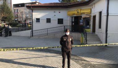 İki silahlı soyguncu, PTT şubesinden yaklaşık 8 bin liralık soygun yapıp kaçtı