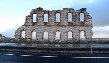 """Edirne'de tarihi hastane duvarının korunması için """"yol"""" kaydırıldı"""