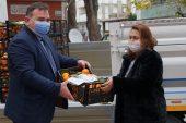 Sağlık çalışanlarına 2 ton mandalina
