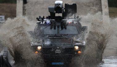 Jandarmanın zırhlı araç sürücü adaylarına zorlu eğitim
