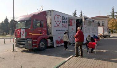 Kan bağışı için sokağa çıkanlar, kısıtlamadan muaf tutuldu