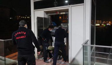 Kocaeli'de asansörde mahsur kalan 2 kardeş kurtarıldı