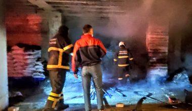 Giriş kattaki odun deposunda çıkan yangın söndürüldü