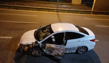 Takla atan otomobilin sürücüsü yara almadan kurtuldu