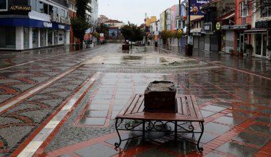 Edirne'de cadde ve sokaklarda sessizlik